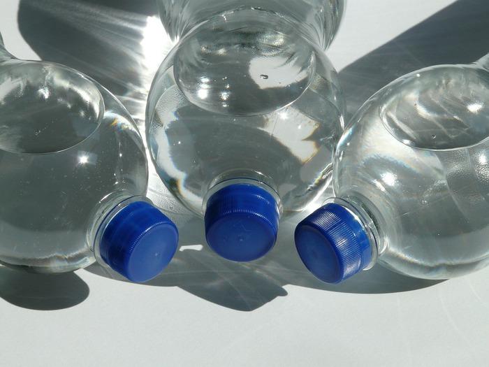 bottles-60475_1920.jpg