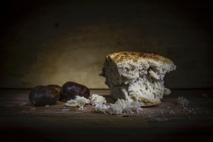bread-1750987_1920.jpg
