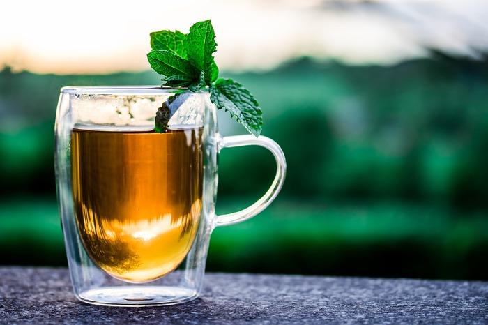 teacup-2325722_1920.jpg